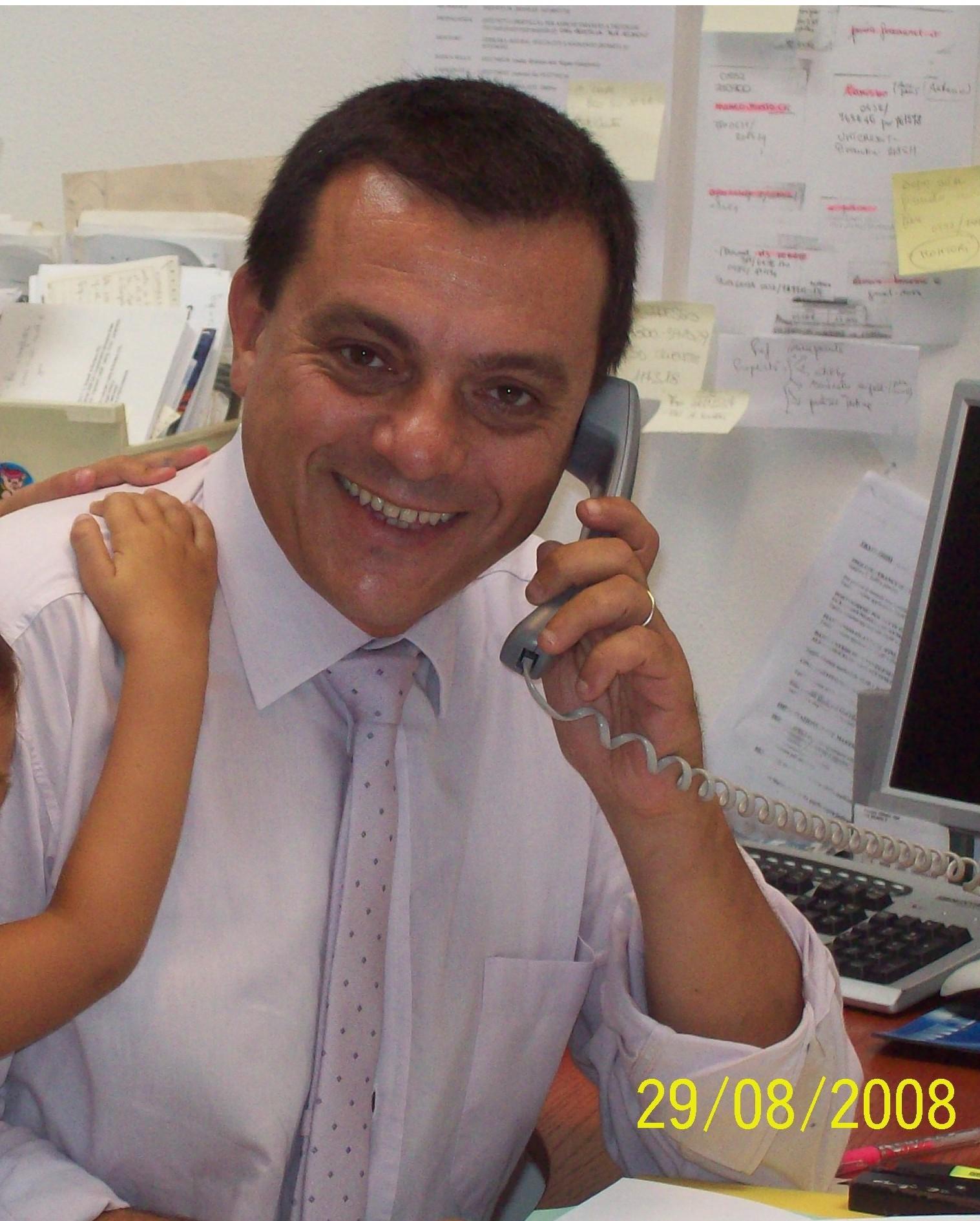 20101110084650-angelo